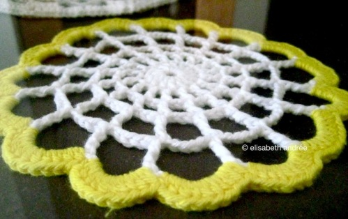 doily white and yellow by elisabeth andrée