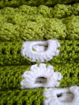 ** green and dots blanket