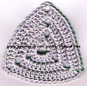 free crochet pattern - triangle