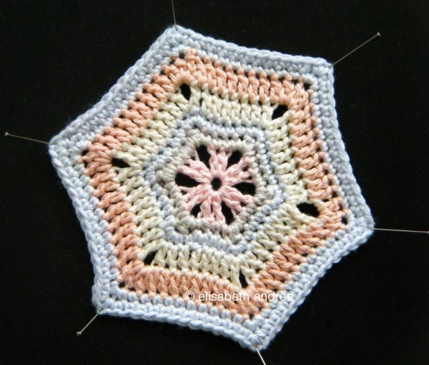 crochet hexagon by elisabeth andrée