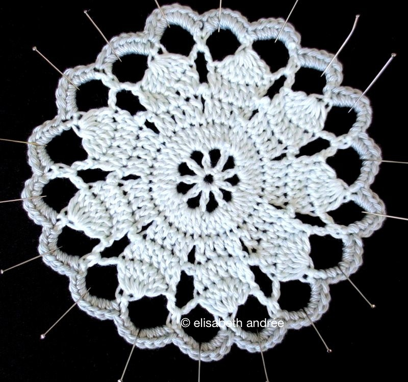 vintage crochet coaster by elisabeth andrée