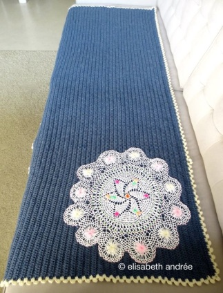 renée's sofa blanket