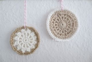 crochet ornaments: white, beige and gold