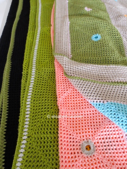 lacy with dots 3 blankets
