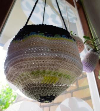 planthanger of leftover yarn
