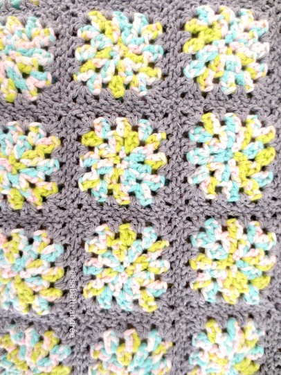 small squares with gray edges