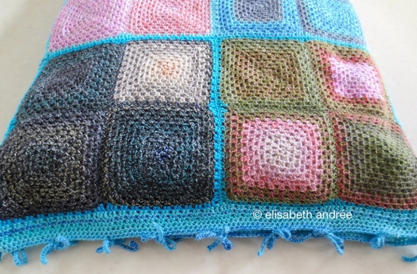 crochet doggie bed by elisabeth andrée