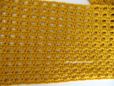 stitch pattern of mustard yellow scarf by elisabeth andrée