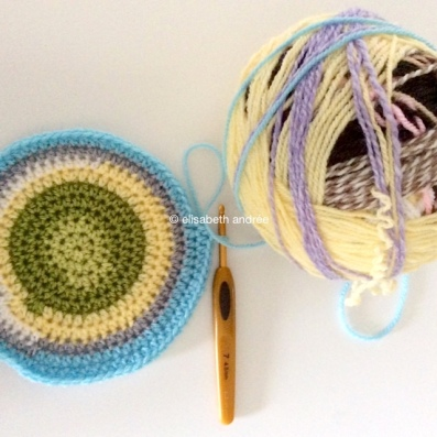 the start of the crochet nutty pillow
