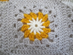 yellow and gray crochet block3