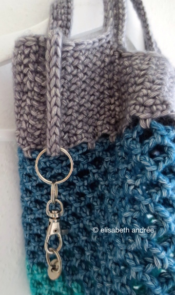 keyring on side crochet mesh shopper