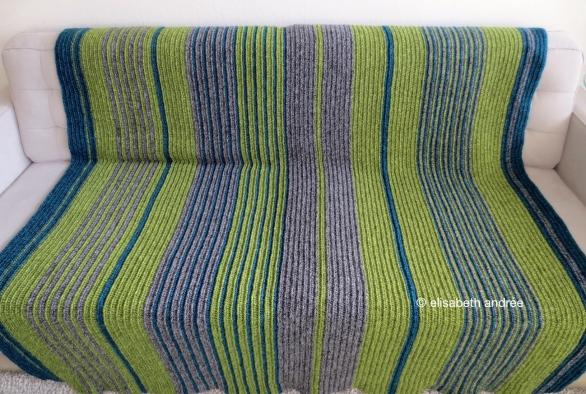 soft ribbels crochet blanket finished by elisabeth andrée