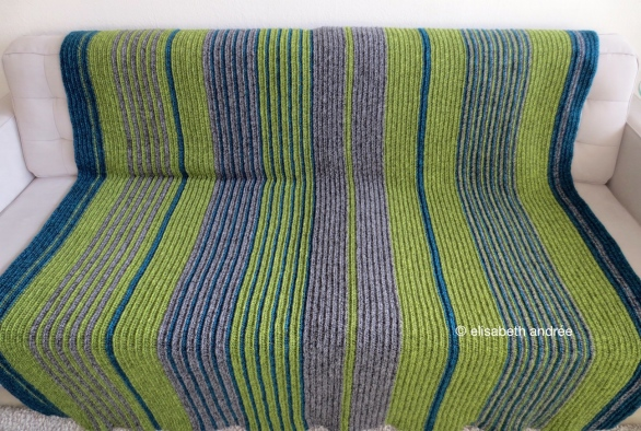 soft ribbels crochet blanket finished by elisabeth andrée