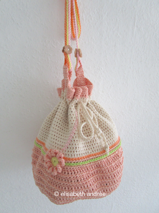 small crochet shouderbag by elisabeth andrée