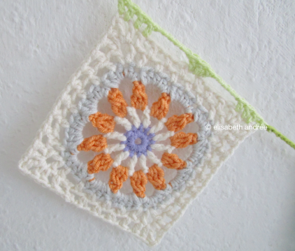 crochet another square four colors