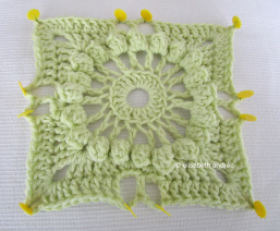 crochet vintage square in pale softgreen