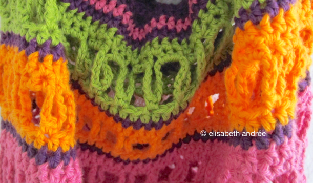 details of crochet bag by elisabeth andrée