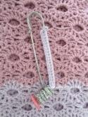 crochet wavy stitch pattern with pin